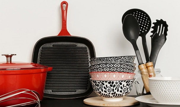 Is 100% ceramic cookware better?